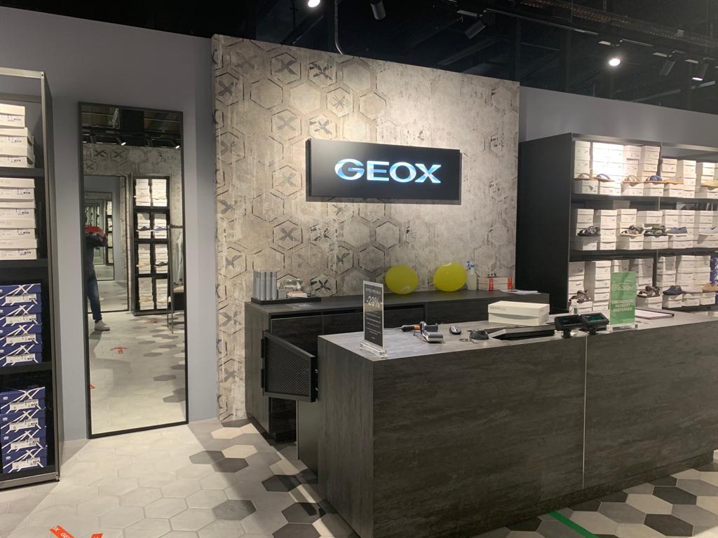 création boutique geox aubonne